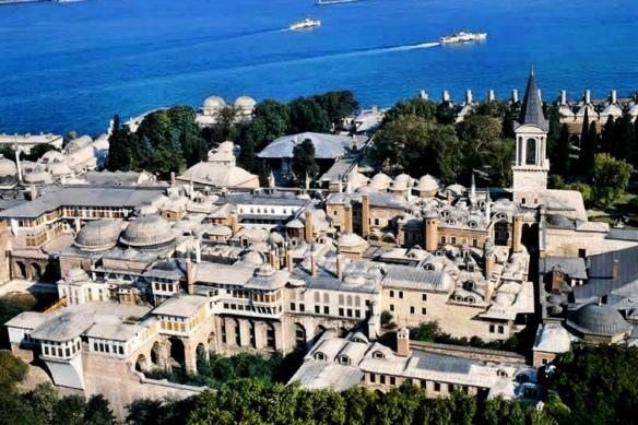 Вид дворца топкапы с вертолета, тур на вертолете вы можете заказать на сайте гидов в Стамбуле Tvoygid.com