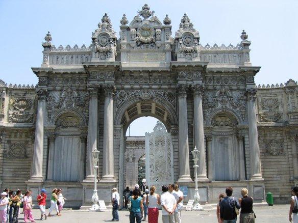 Дворец Долмабахче | Услуги индивидуального гида и переводчика в Стамбуле. | Tvoygid.com