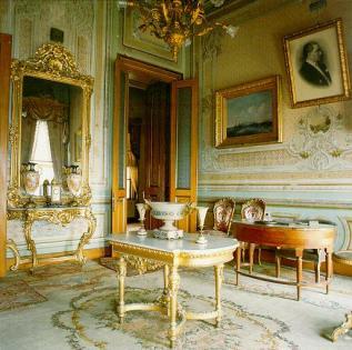 Рабочая комната Ататюрка во дворце Долмабахче