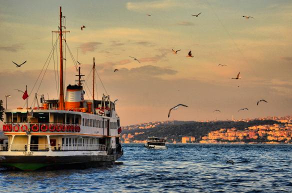 Tur na yachte po Bosphoru v Stambule