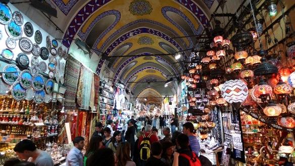 russkojazychnyj-gid-v-stambule-grand bazar